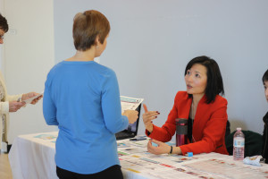 Amy promoting Dietitians of Canada and answering visitor's inquiries